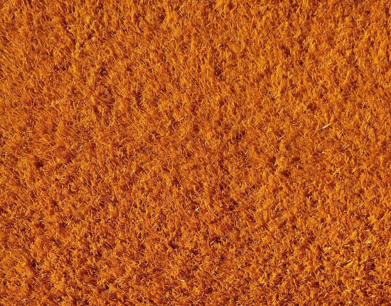 Оранжевый искусственный газон